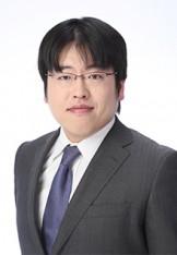 写真:弁護士 西井伸顕