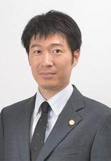 写真:弁護士 岡村貴之