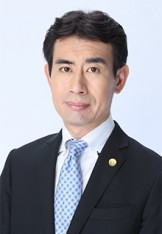 写真:弁護士 中尾俊介